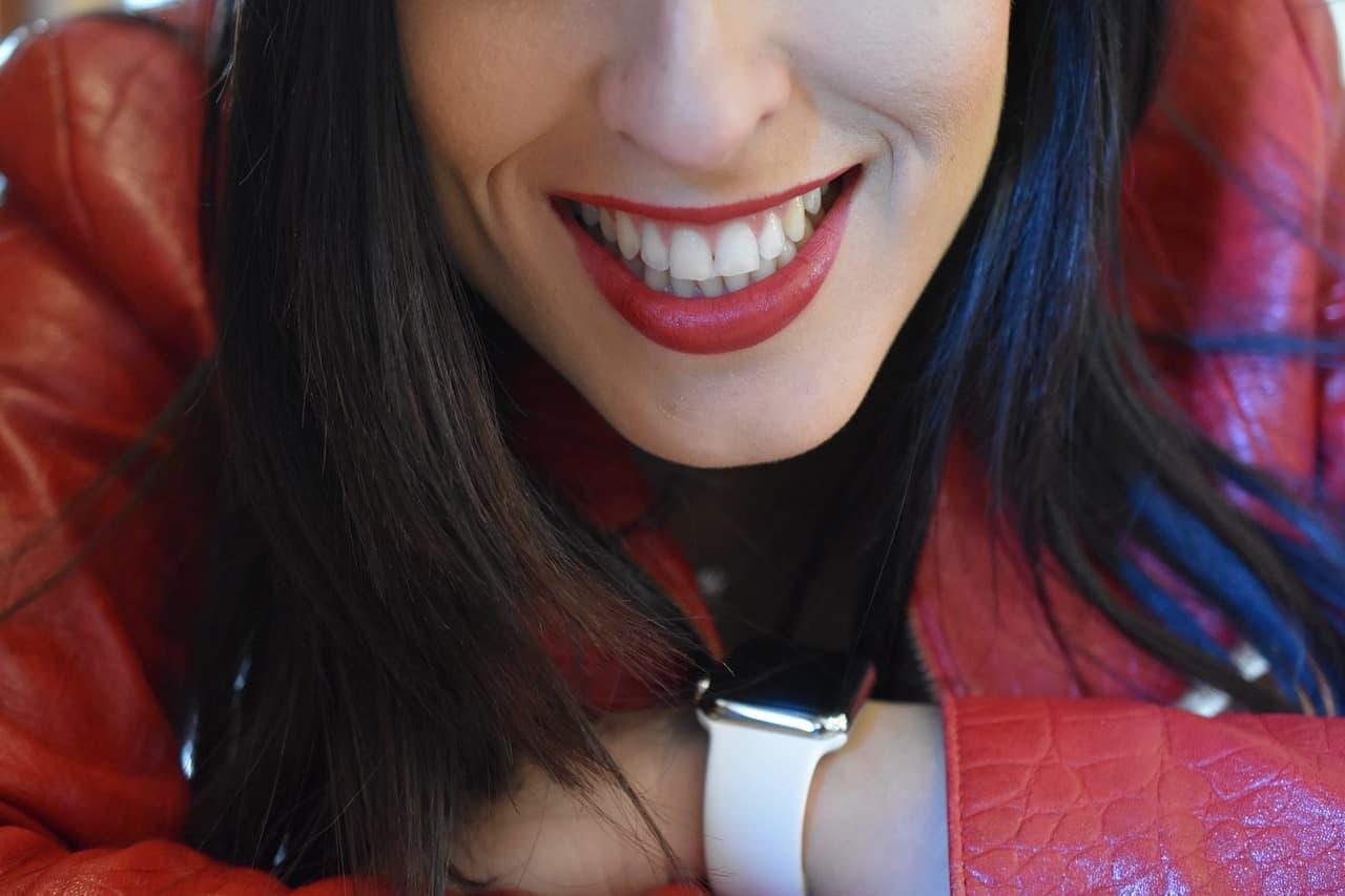 sonrisa diente blanco